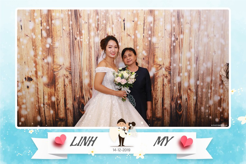 Linh-My-wedding-instant-print-photo-booth-in-Ha-Noi-Chup-anh-in-hnh-lay-ngay-Tiec-cuoi-tai-Ha-noi-WefieBox-photobooth-hanoi-03.jpg