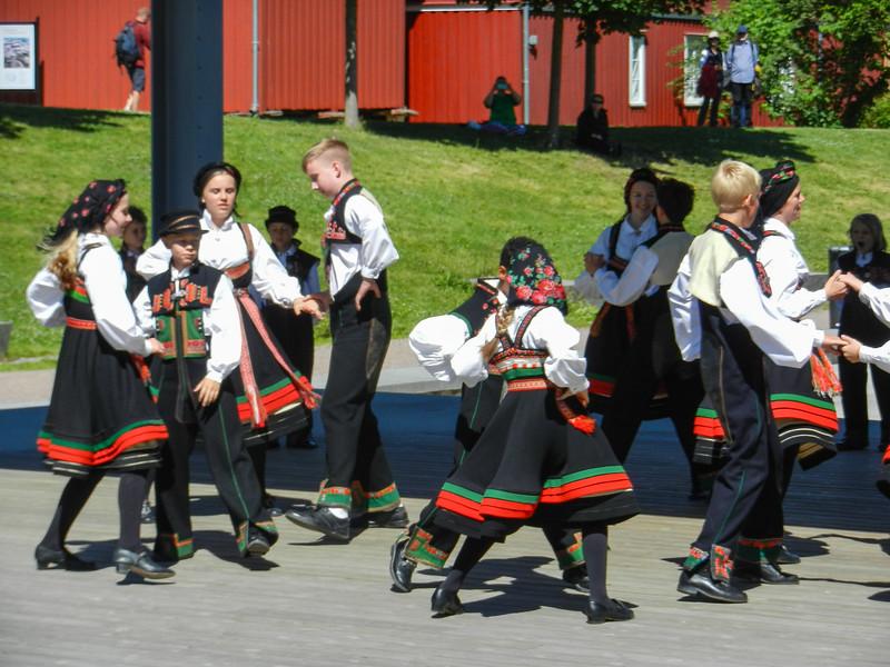 Oslo, Folk Museum, Kids folk dancing.jpg