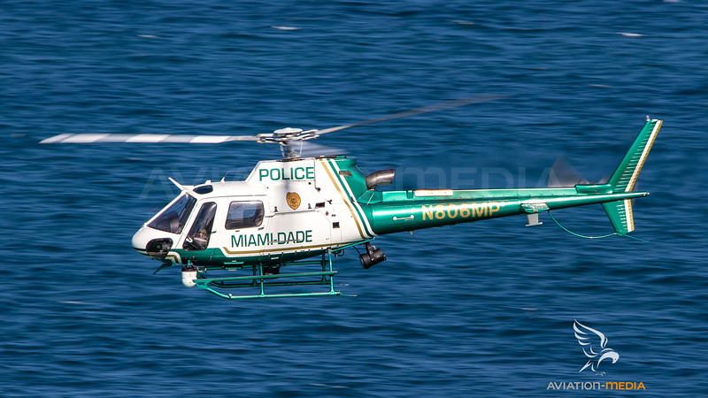 Miami Dade Police Department Aérospatiale AS 350B3 Ecureuil N806MP