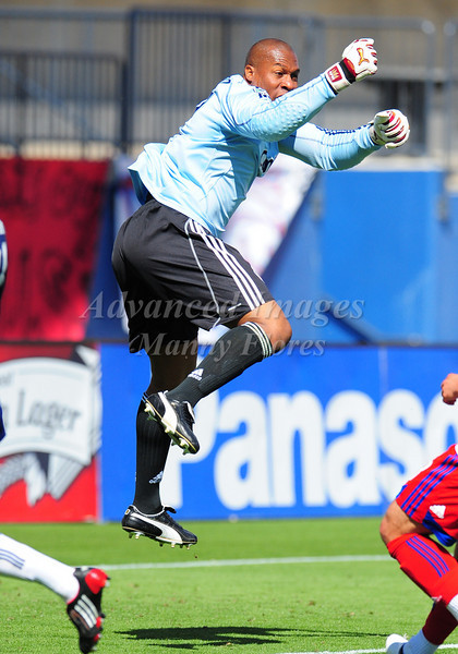 29, March 2009:  Chivas USA Goalkeeper Zach Thornton #22 in action during the soccer game between FC Dallas & Chivas USA at the Pizza Hut Stadium in Frisco,TX. Chivas USA  beat FC Dallas 2-0.Manny Flores/Icon SMI