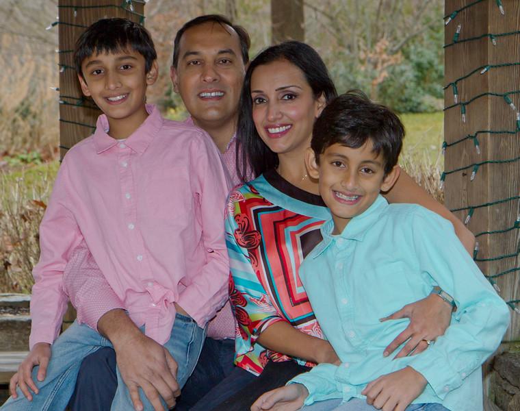 2016 12 Pabla Family Photo Session (24)_1.JPG