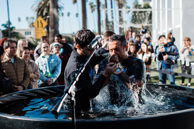 2018_12_30_HollywoodBaptisms_10am_NL-91.jpg