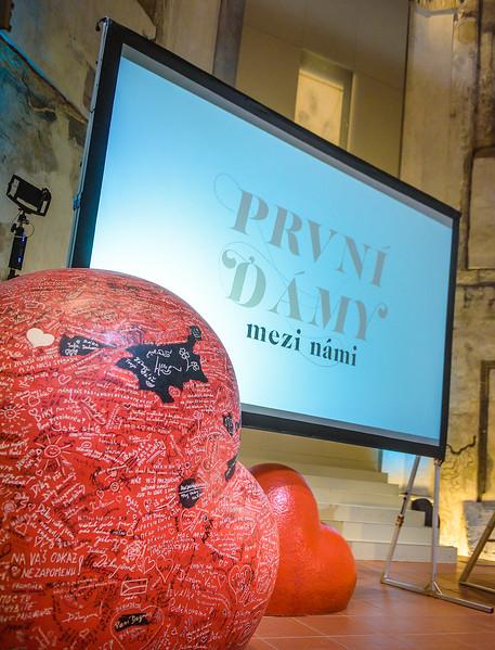 PrvniDamy-003_www.klapper.cz.jpg