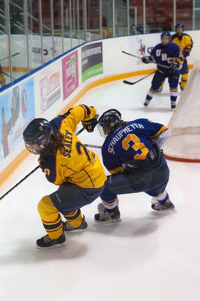 20130310 QWHockeyvsUBC 677.jpg