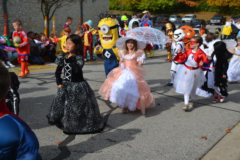 2016_10_31_HalloweenParade0044.JPG