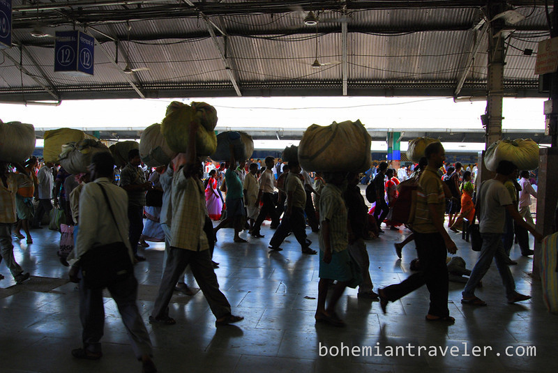 crowds at Howrah Station.jpg