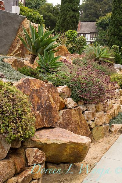 Stone garden seat - xeric garden space_8610.jpg
