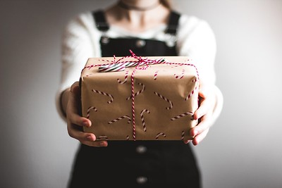 10 Tips for Buying a Gift Online (Christmas, Birthday, Wedding, Mothers Day,Valentines Day)