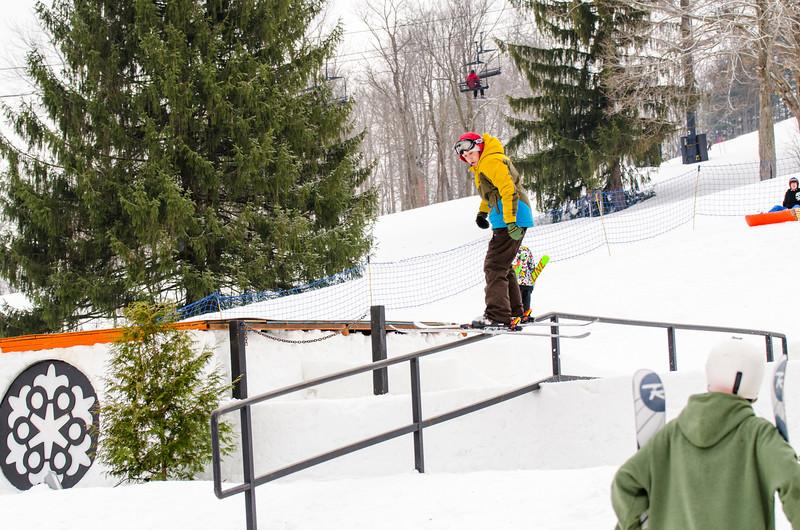 Snow-Trails_Mid-Season-2015-SpFeat-20.jpg