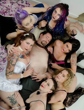 Misc Un-Chained Girls Shoots