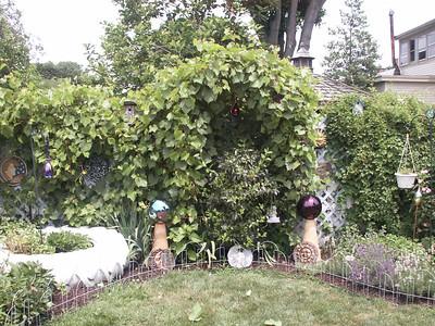2002 Crystal's garden
