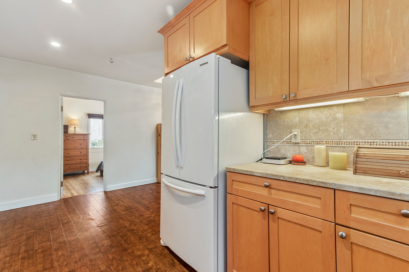 730 Park 19 Kitchen.jpg