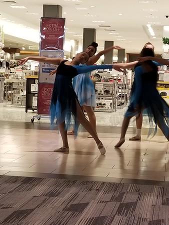 2017-12-14  St Charles Mall Christmas Dance