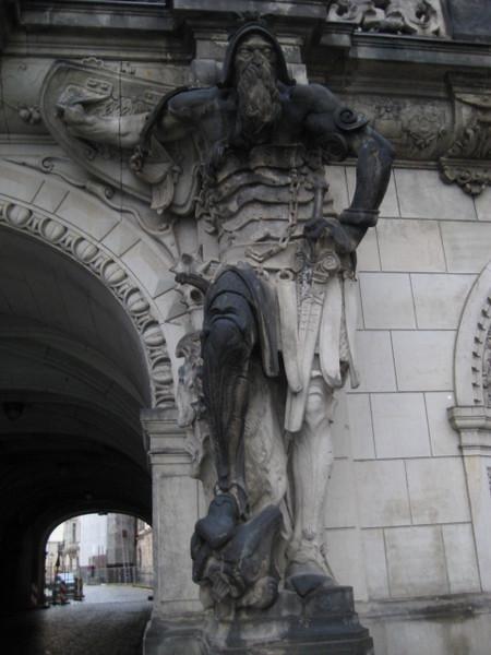 statue_4.jpg