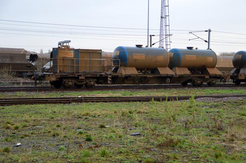 FEA 642027 in York Yard   28/12/15.