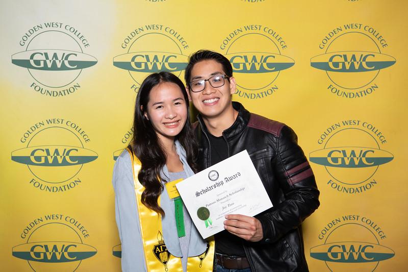 Scholarships-Awards-2019-0704.jpg