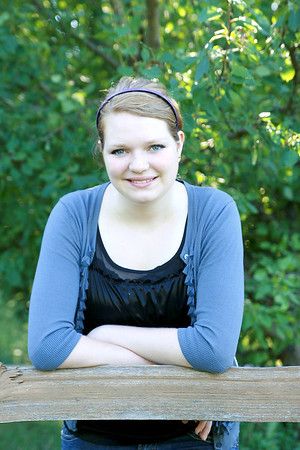 Beth M Senior Photos-Buffalo