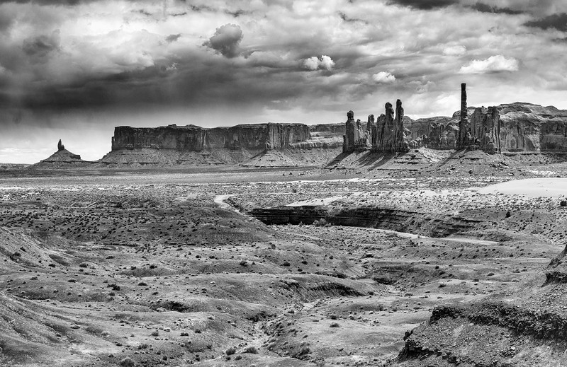 The Totem Pole - Monument Valley.jpg