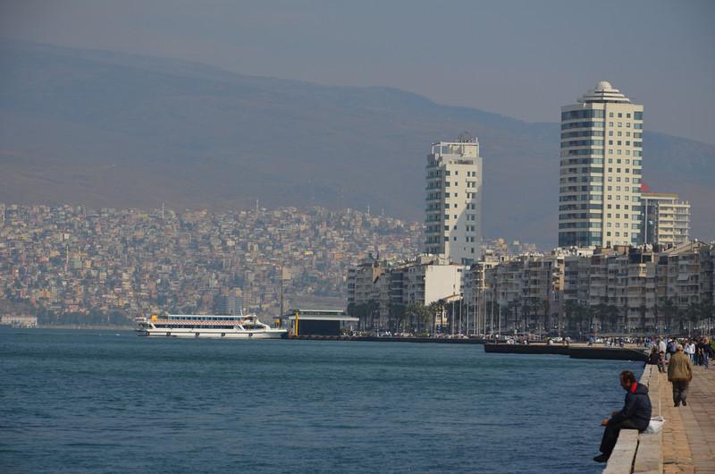 DSC_1886-izmir-waterfront.JPG