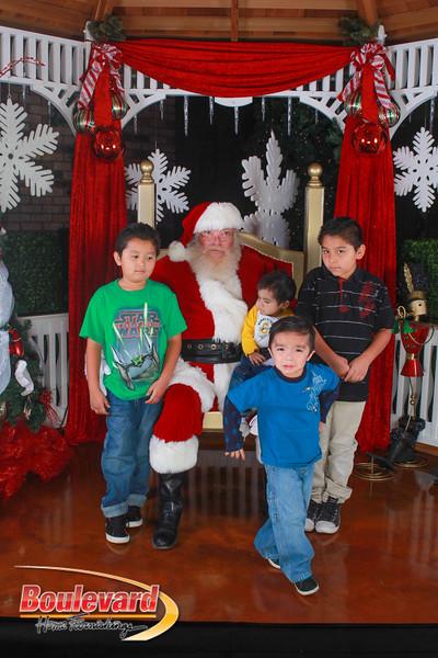 Santa 12-10-16-177.jpg