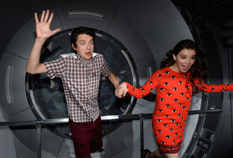 ". Actors Asa Butterfield and Hailee Steinfeld attend ""Ender\'s Game\"" Experience Press Preview Night Sponsored by HGTV during Comic-Con International 2013 at Martin Luther King Jr. Park on July 17, 2013 in San Diego, California.  (Photo by Michael Buckner/Getty Images for Summit Entertainment)"