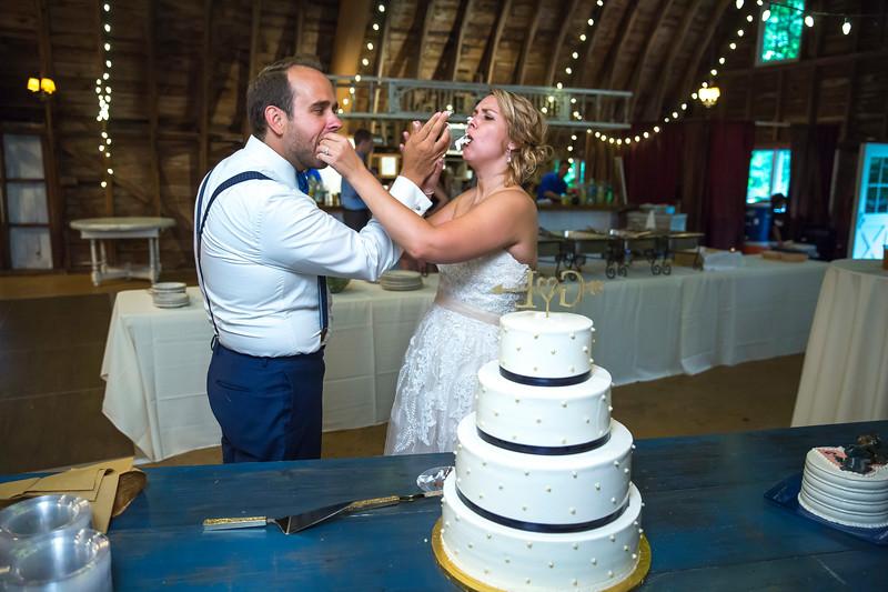 Garrett & Lisa Wedding (613).jpg