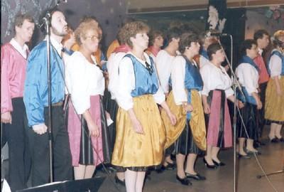 1986-04.jpg