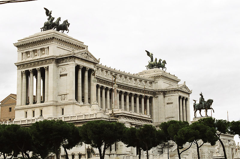 Friday_Mussolini_s_Palace_1