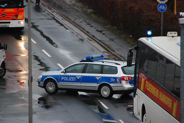 2010-12-11 - Großeinsatz im Vinnhorster Weg