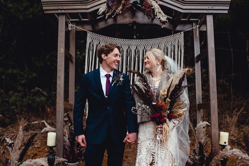 Requiem Images - Luxury Boho Winter Mountain Intimate Wedding - Seven Springs - Laurel Highlands - Blake Holly -1162.jpg