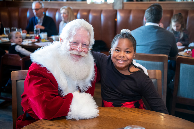 Avalon_BreakfastWithSanta_2019_9575.jpg