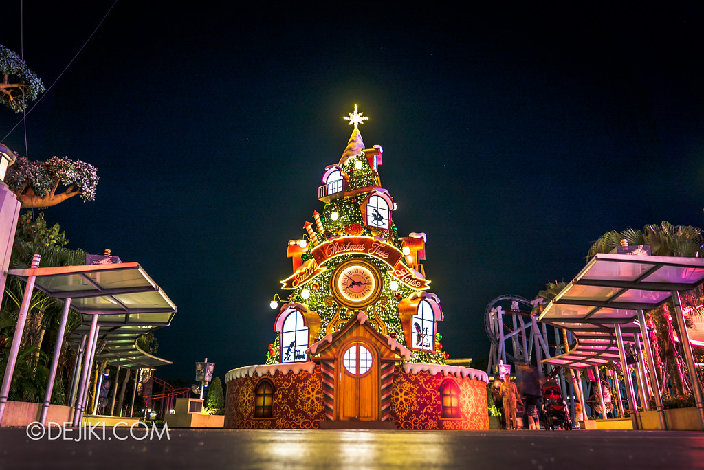 Universal Studios Singapore - A Universal Christmas event 2017 / Santa's Christmas Tree House