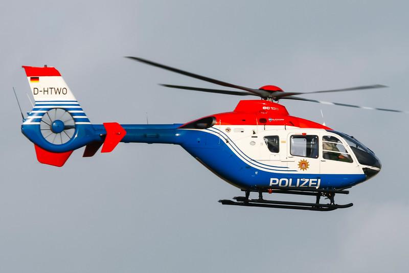 D-HTWO-EurocopterEC135P2-GermanyPolice-HAM-EDDH-2007-09-15-_MG_9225-DanishAviationPhoto.jpg