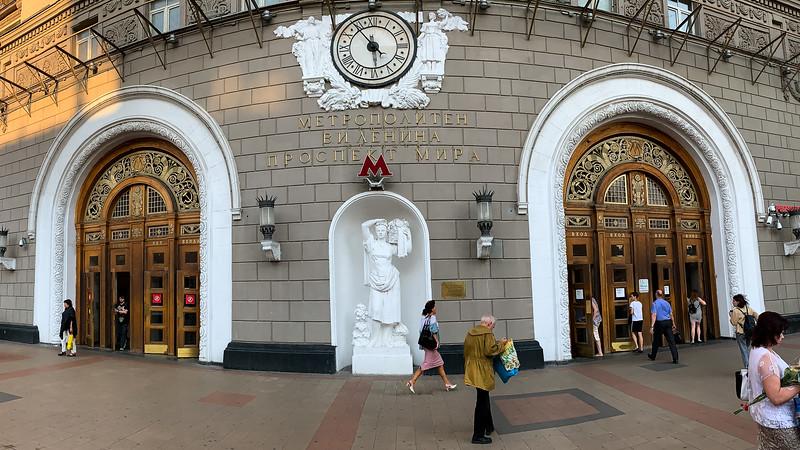 Russian Metro-3.jpg