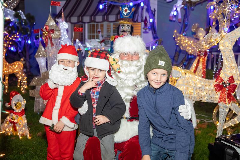 12-08-19-Christmas With Chris & Family-61.jpg