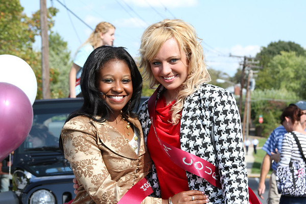HOMECOMING 2012 PARADE AND QUEEN BRI