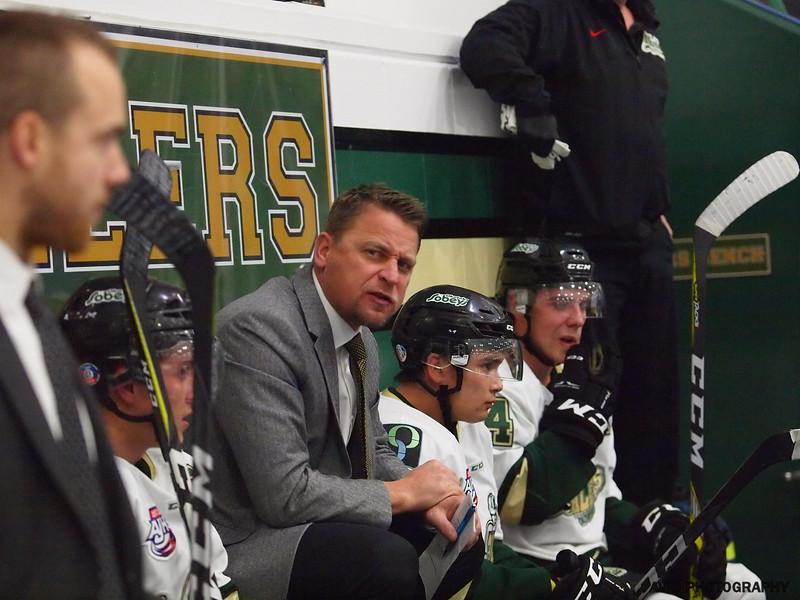 Okotoks Oilers vd Olds Grizzlys Oct20 AJHL (17).jpg