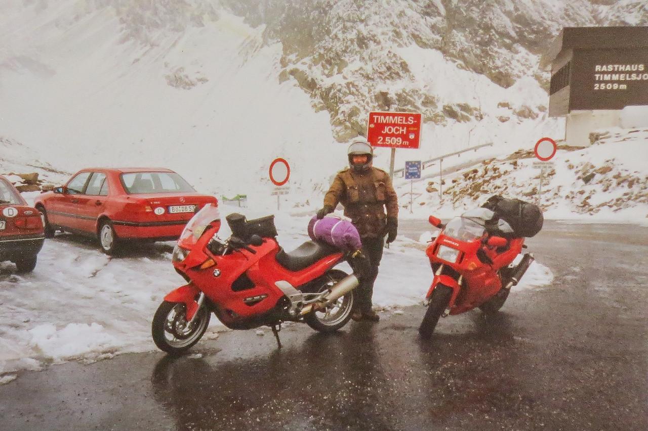 1998. Weekje Alpen met Bert op Ducati 888