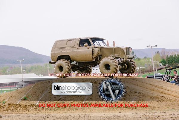Mega Trucks - Obstacle/Freestyle