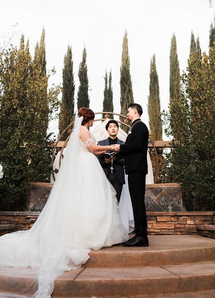 Alexandria Vail Photography Wedgewood Fresno Wedding Alexis   Dezmen379.jpg