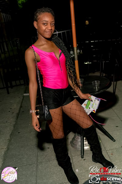 GAL FARM THURSDAYS PRESENTS IT'S GLOW NEON EDITION-228.jpg
