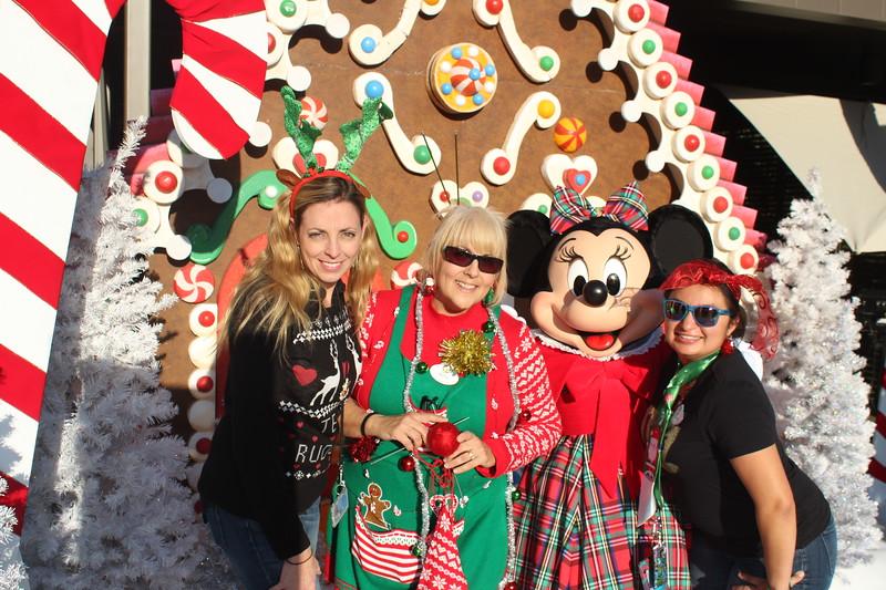Walt_Disney_Imagineering_Holiday_2017_Individuals_ (34).JPG