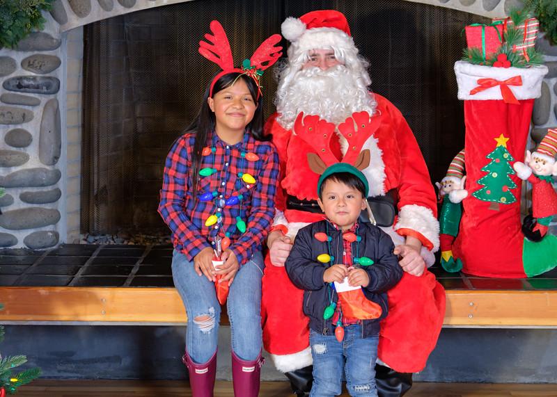CB Santa 2019-8016.jpg