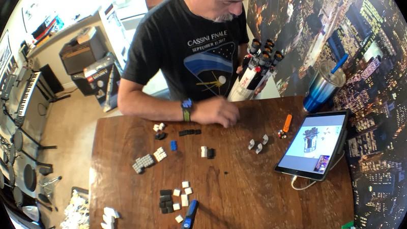 2019-06-05 LEGO Saturn V Build-05.MOV