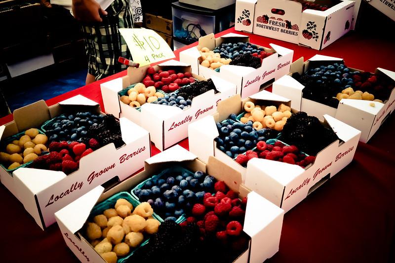 farmers market berries.jpg