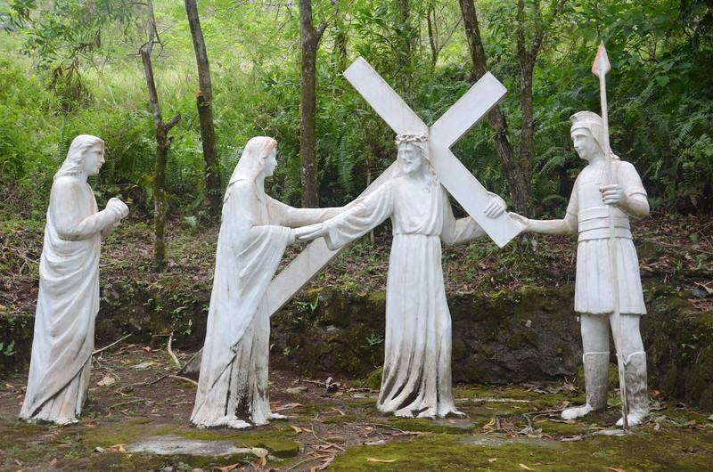 DSC_7517-iv-jesus-meets-his-offlicted-mother.JPG