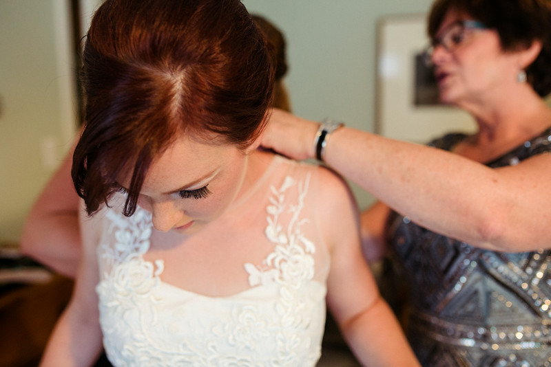 Prep photos with the Bride in Rockford IL by Mindy Joy Photography