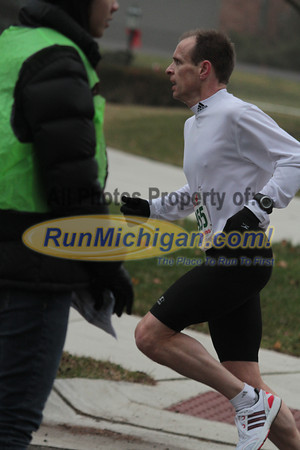 10K at 3.5 mile mark - 2012 Jingle Bell Run Bloomfield