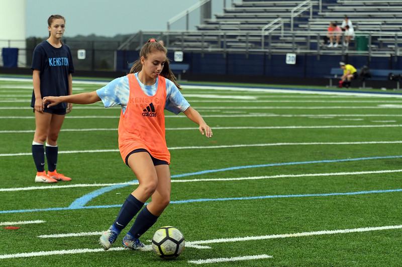 girls_soccer_2316.jpg