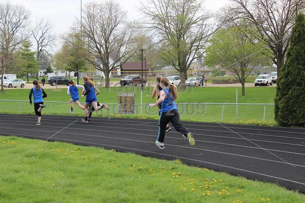 6-8 grade track at le-win . 4.26.16